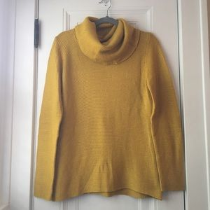 Banana Republic cozy yellow turtleneck sweater L